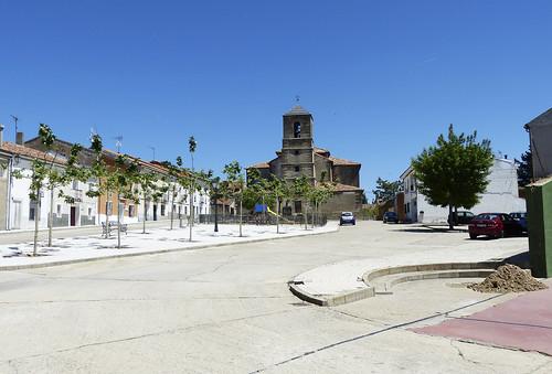Hiendelaencina (Guadalajara). Plaza del Doctor Don Nicolás Martín Virseda.
