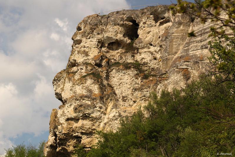 Бакітський Михайлівський печерний монастир