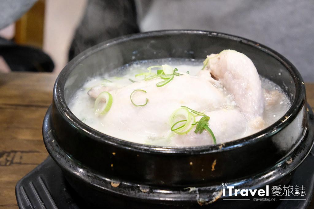 首尔美食餐厅 北村百年土种蔘鸡汤 (21)