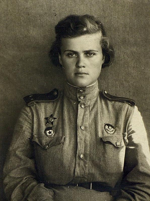 Евгения Руднева. Красавица, штурман, Герой