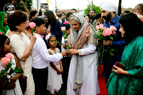 Welcome by child devotees