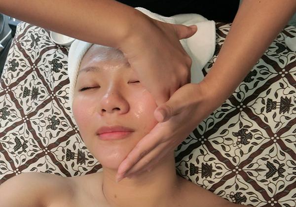 Prenatal Facial at Nouri