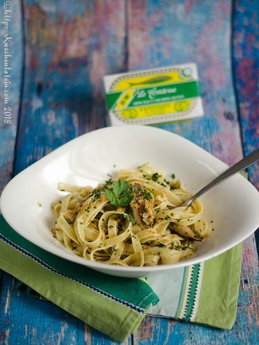 Pasta mit Sardinen, Brotbröseln und Kapern (1)