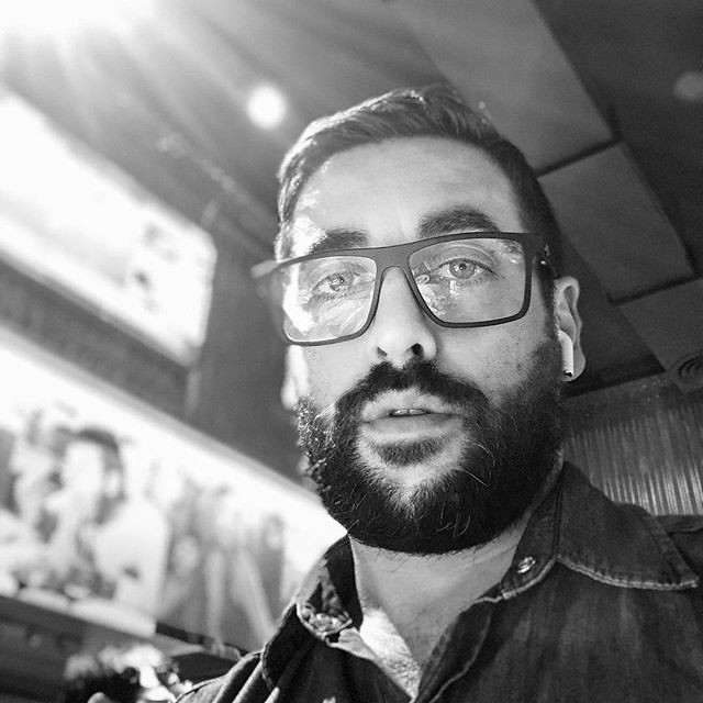 From my Instagram: Ray of light. A moment with me. #Selfie #Bearded #Beard #Glasses #Mormaii #Airpods