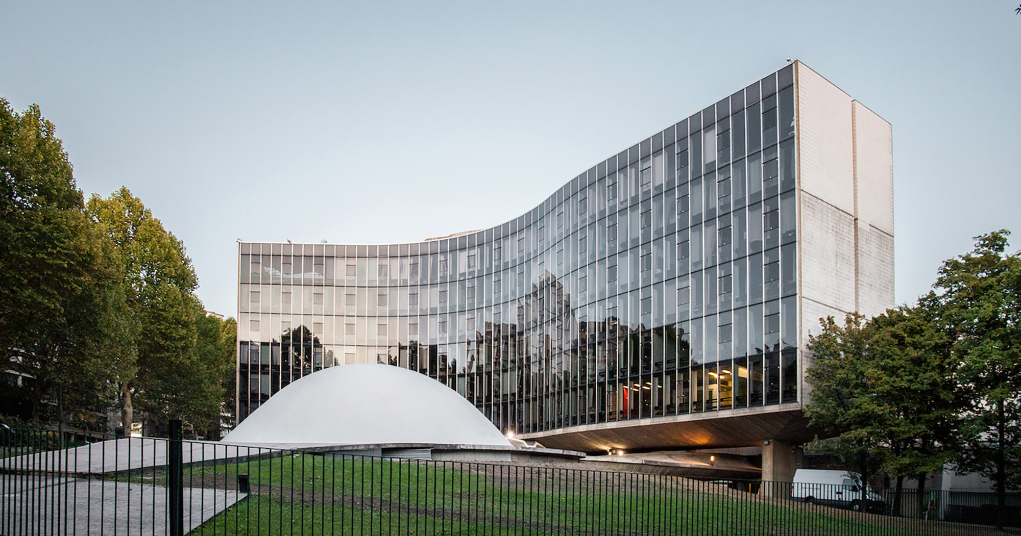 mm_French Communist Party Headquarters  design by Oscar Niemeyer_02