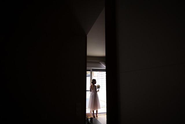 novia en el cuadro_preparativos_nikoestudiofotografia