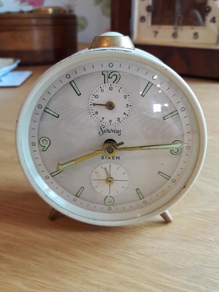 Services Clock 1