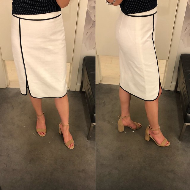 Ann Taylor Piped Pencil Skirt, size 0 regular