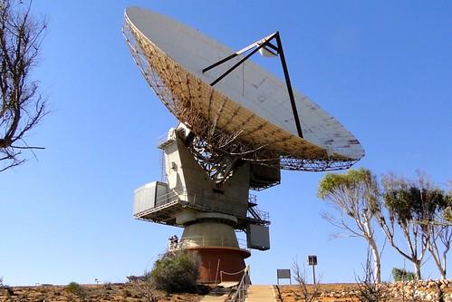 Paul and Jill Weaver on NASA's Carnarvon Tracking Antenna