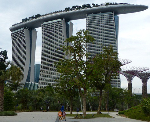 Singapore Marina-Bay-Sands-Ship