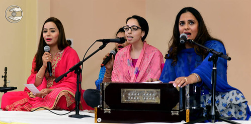 Devotional song by Arpita Noor from Tracy