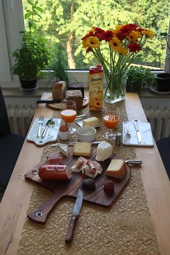 Frühstück am Pfingstsonntag