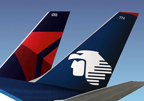 Aeromexico Delta tail (Delta Air Lines)