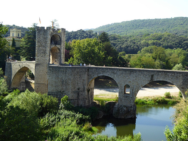 The medieval town of Besalu provides an a great example of a working town from the past, that also provides a highlight for Tourists travelling through Catalonia