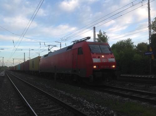 152 142-6 vor DBCargo 98461 in Dettelbach Bahnhof