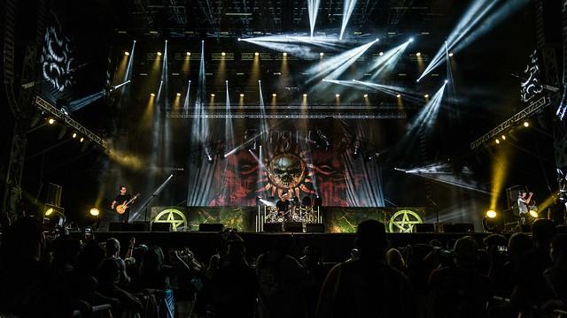 Godsmack-3