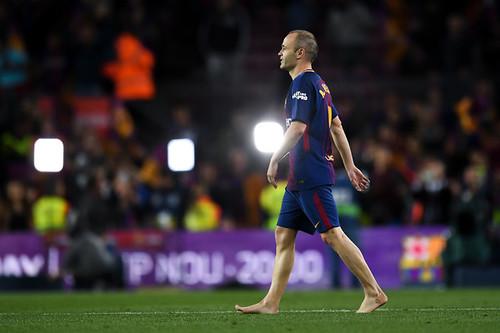 Andres+Iniesta+Barcelona+vs+Real+Madrid+La+h_FYlniaEkdl