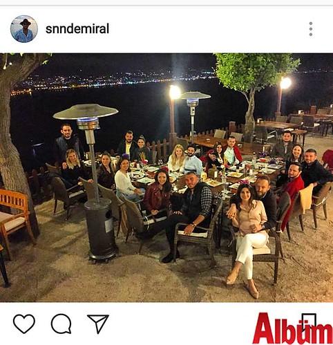 İnşaat Mühendisi Sinan Demiral, dostlarıyla birlikte keyifli bir akşam geçirdi.