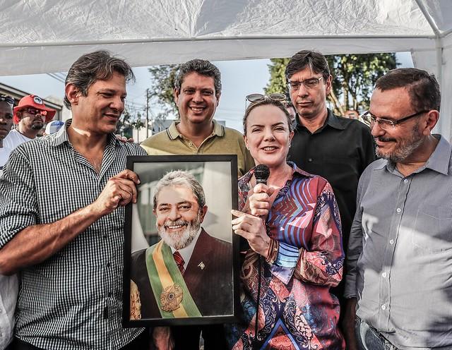 Lançamento do programa de governo do PT durante a vigília Lula Livre, em Curitiba (PR) - Créditos: Foto: Ricardo Stuckert