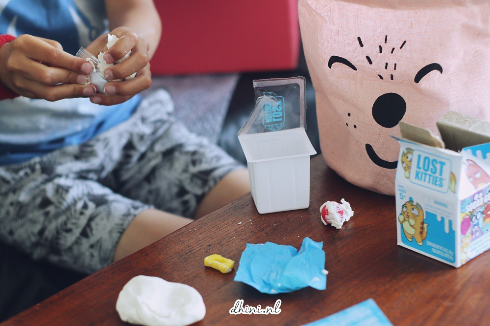 Unboxing : Lost Kitties - Wie zit daar in de melk verstopt?