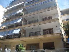 Fantastica vivienda situada en pleno centro muy cerca de la playa y de todos los servicios.  En su inmobiliaria Asegil en Benidorm le ayudaremos sin compromiso. www.inmobiliariabenidorm.com