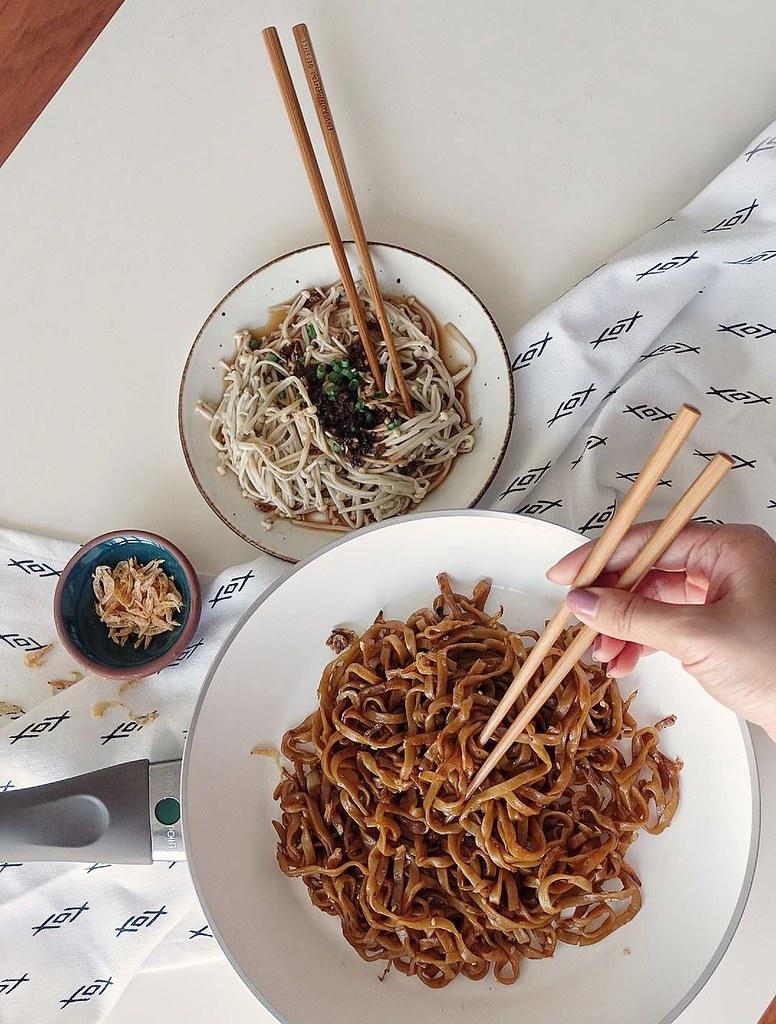 Noodles & Enoki