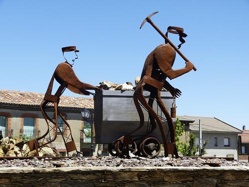Hiendelaencina (Guadalajara). Monumento al minero.