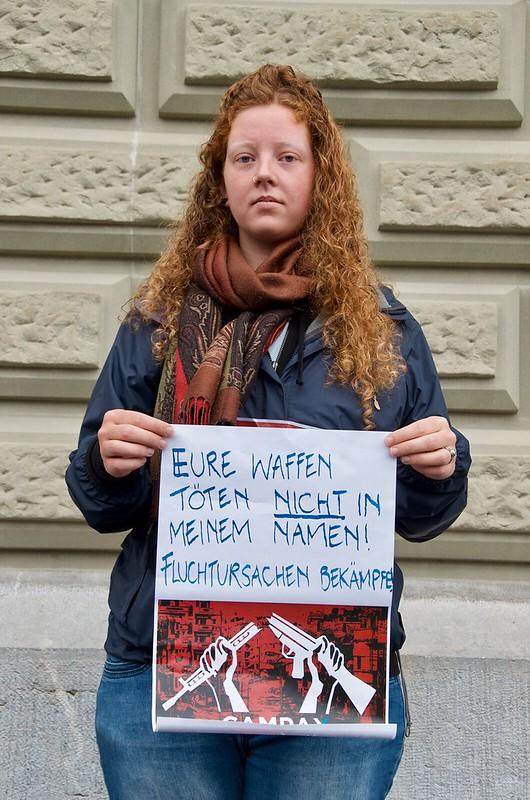 """Testimonials der AktivistInnen anlässlich der Petitionsübergabe """"Keine Waffenexporte in Bürgerkriegsländer"""" vom 15.5.2018 in Bern"""