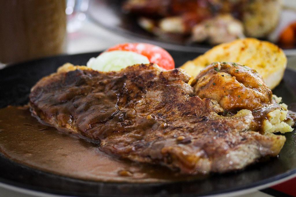 western food - Sirloin Steak