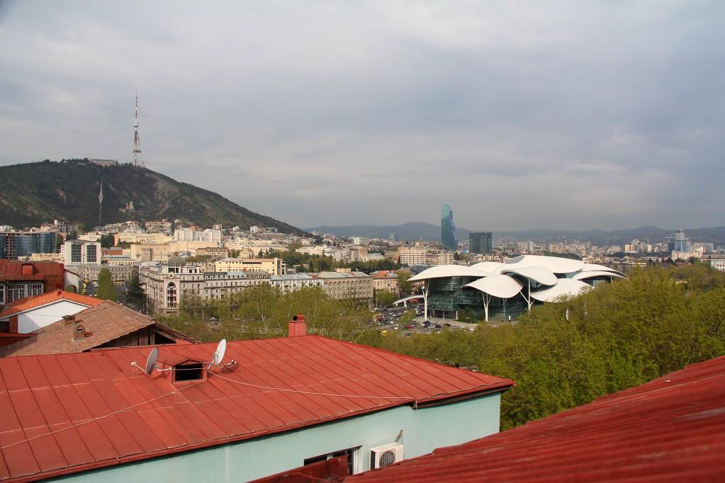 Тбилиси - веранды Авлабари, танцующая Берикаоба, падающая башня и вкуснейшие гурули