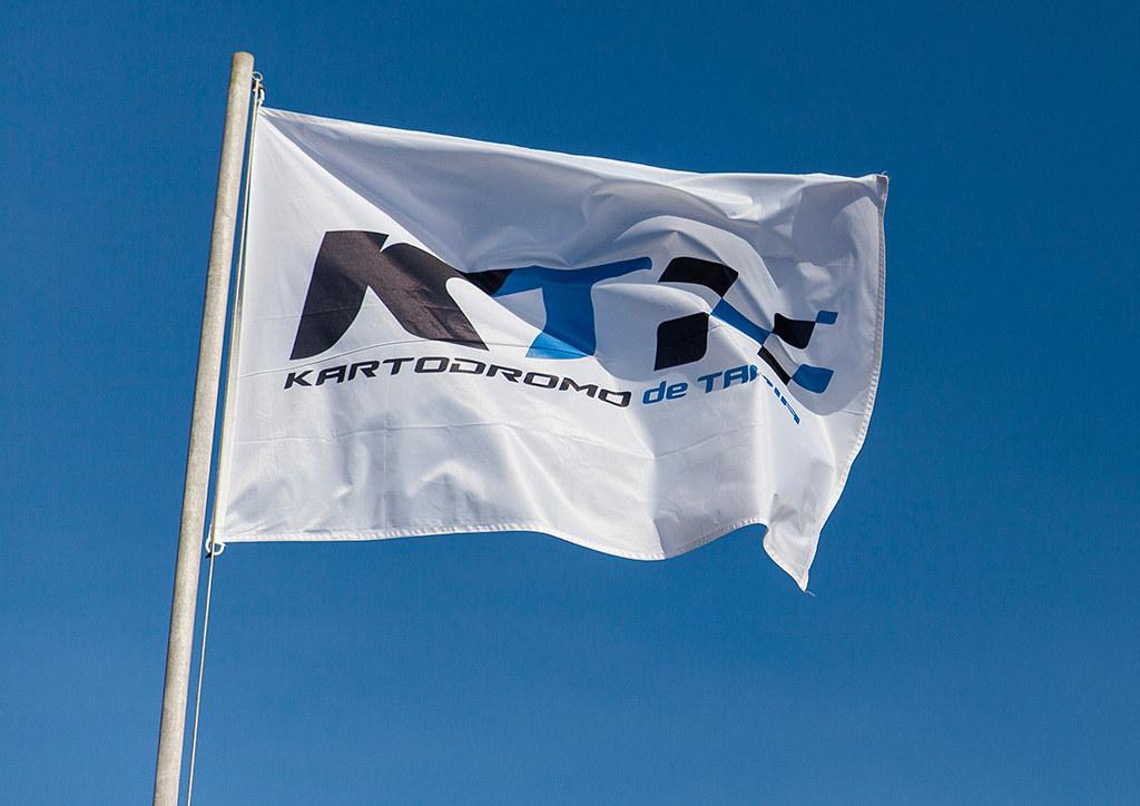 bandera del kartodromo