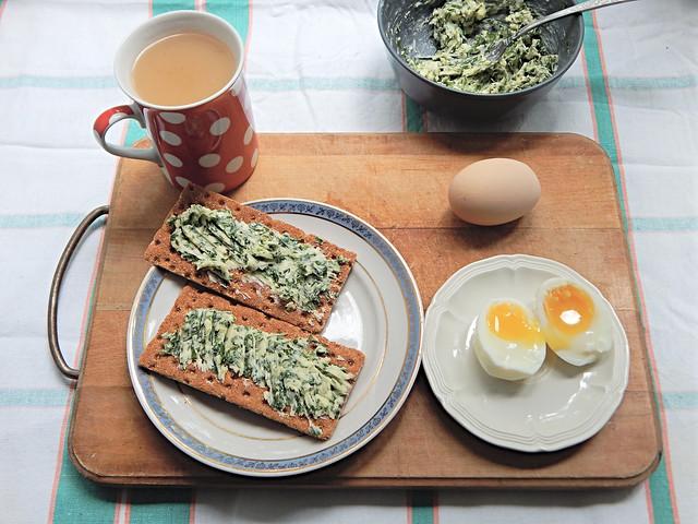 Яйца всмятку, в мешочек и вкрутую по рецепту из Книги о вкусной и здоровой пище | HoroshoGromko.ru
