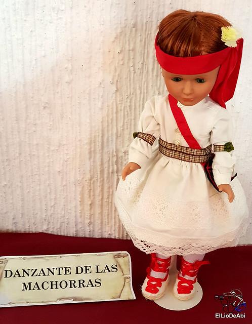 Colección en miniatura de los trajes tradicionales en la provincia de Burgos  (10)