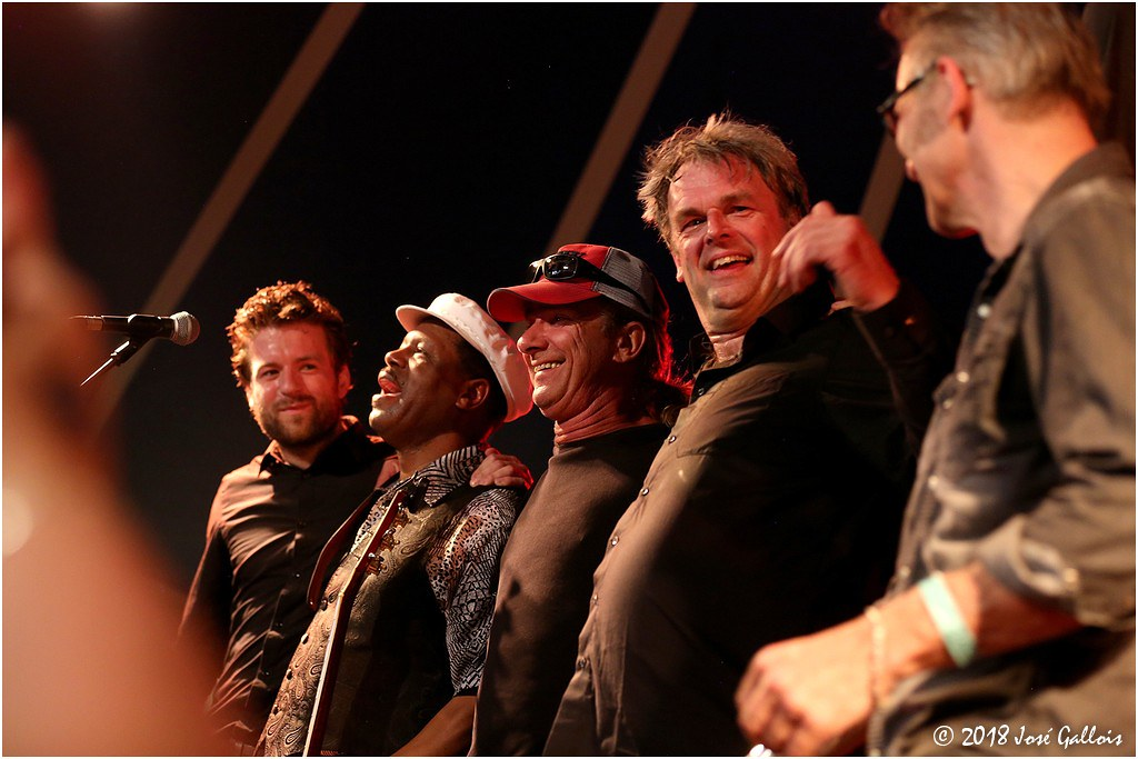 Saron Crenshaw and Blind B' & The Visionairs