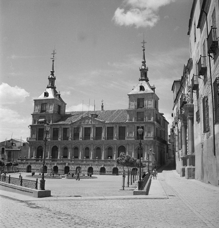 Plaza del Ayuntamiento. Fotografía de Juan Miguel Pando Barrero © Fototeca del IPCE signatura PAN-061027_P