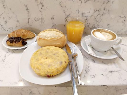wiche-desayunar-en-bilbao