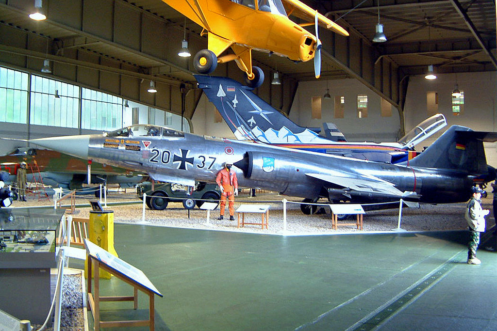 20+37   Lockheed F-104G Starfighter [683-2044] (Ex German Air Force / Luftwaffenmuseum) Berlin-Gatow~D 15/05/2004