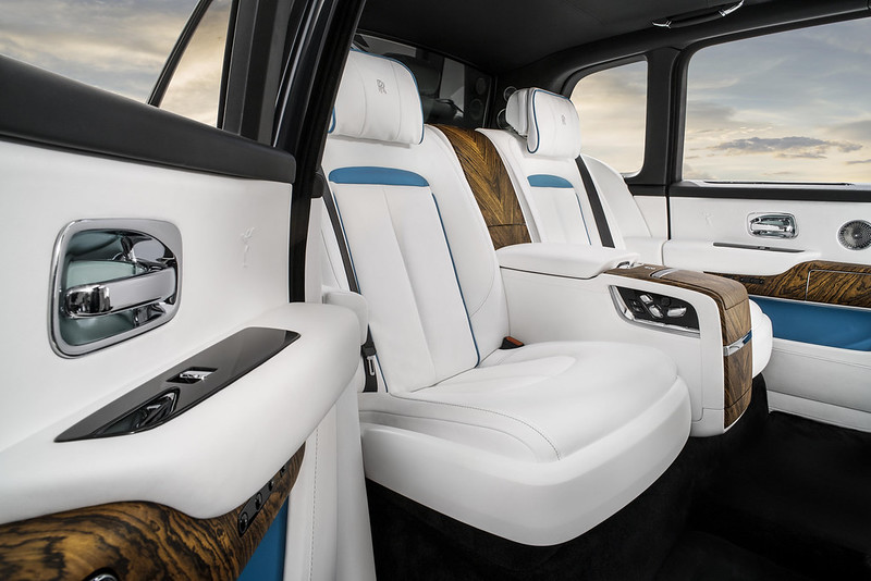 2019 rolls royce cullinan world premiere carbonoctane 16