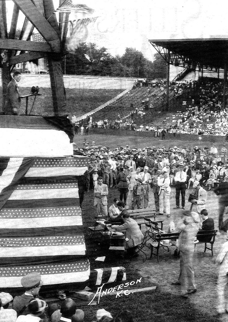 Charles Lindbergh makes a speech during his august 17, 1927, VISIT TO Kansas City, Missouri.