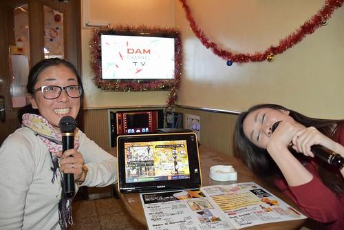 428 Monja y karaoke (6)