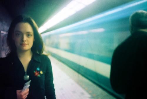 Véro dans le métro by -Antoine-