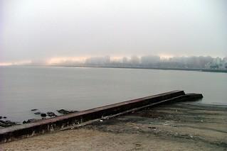 Image of Playa Ramírez. winter beach geotagged uruguay playa nubes s5000 montevideo inverno cluods parquerodo playaramirez geolat34918663 geolon56170456