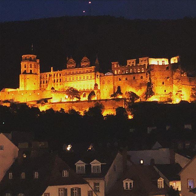 Romantic Heidelberg by Night - #heidelberg #heidelberg4you #romanticheidelberg #romanticcities #visitheidelberg #beautifuldestinations #love #romantic #night