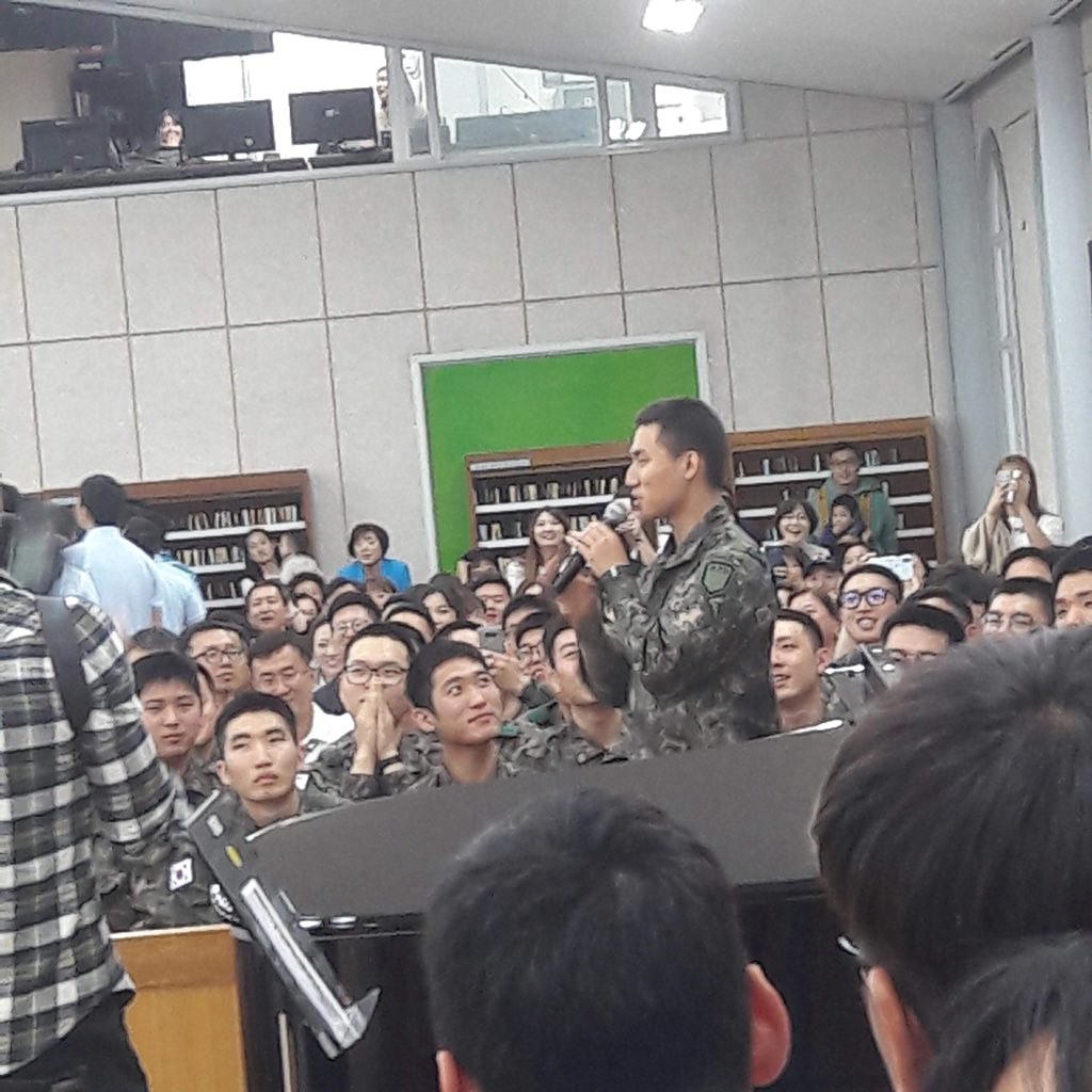 BIGBANG via LTNS_iKON_ - 2018-05-20  (details see below)