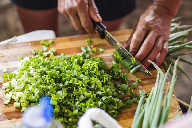 MST serve comida da roça, sem agrotóxicos, na Feira da Reforma Agrária
