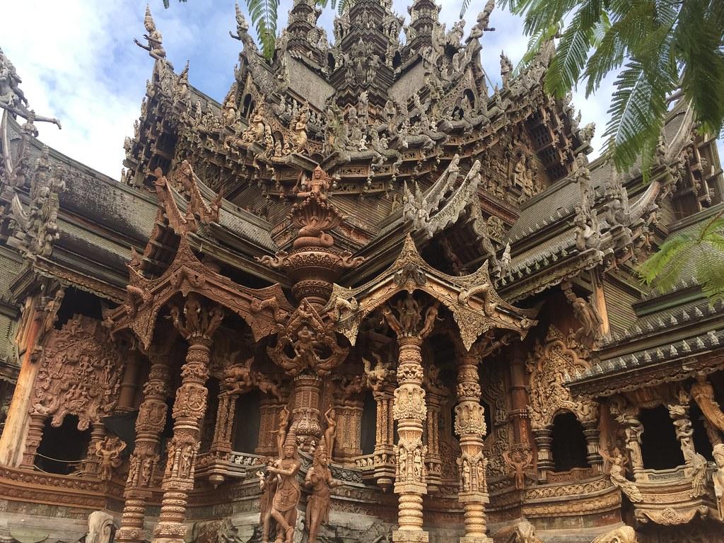 Wat Phraya Tai, Sancturay of Truth, Noong Nooch Garden