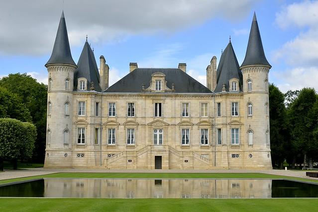 Chateau Pichon-Longueville, Nikon D610, AF-S Zoom-Nikkor 24-85mm f/3.5-4.5G IF-ED