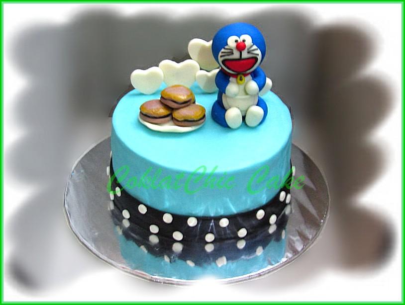 cake Doraemon 15 cm