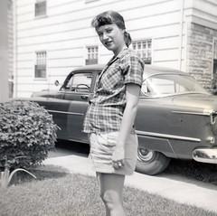 1954-mom-pregnant