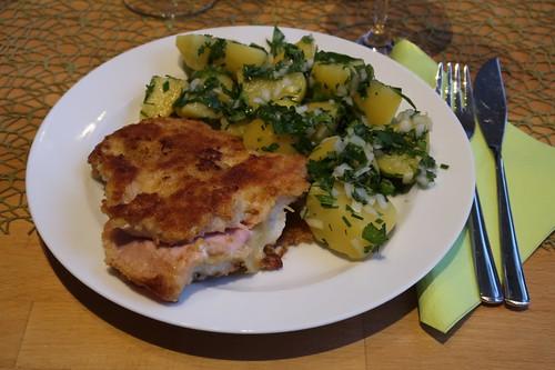 Fischfilet Schweizer Art mit grünem Kartoffelsalat (mein Teller)